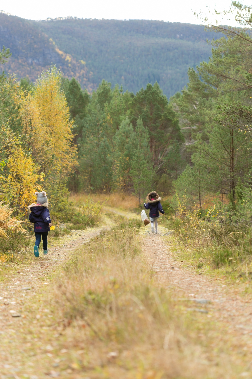 Skogstur_Thea&Nelia_10