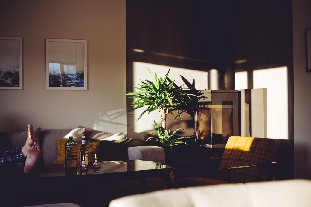 interiør, stemningsbilde, lørdagsmorgen i huset i skauen